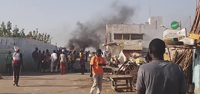 Affrontements entre forces de l'ordre et pêcheurs: 50 arrestations, un policier tabassé