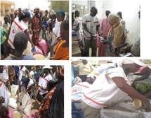 Les secouristes distribuent des vivres de soudure à des ménages vulnérables dans la région de Saint-Louis et de Matam