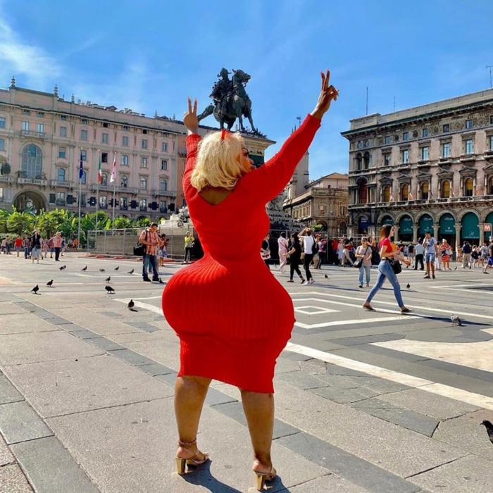 PHOTOS - En visite à Rome, la Bombe Eudoxie Yao au top de sa forme