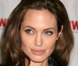 Angelina Jolie : Une citoyenne d'honneur en expédition au coeur de la jungle
