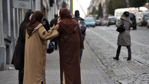 Amnesty dénonce les discriminations à l'encontre des musulmans en Europe