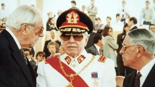 La justice chilienne ordonne l'ouverture du testament de Pinochet