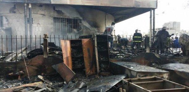 Incendie: L'entrepôt de l'Intendance des Armées à Dakar prend feu