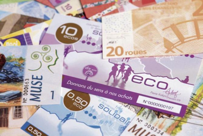 Eco: Macky Sall salue la monnaie commune et parle d'une