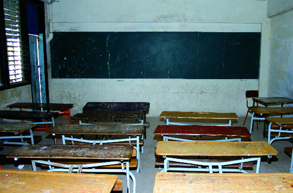 Education : Le Cusems reprend les cours, les élèves deviennent grévistes