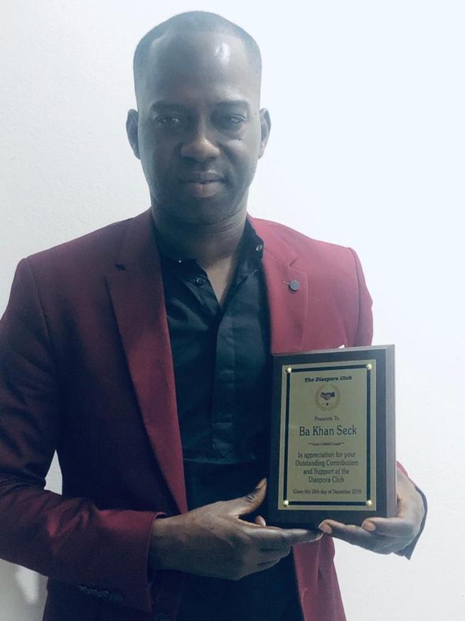 """Bakane Seck """"Diéré Diéré"""" honoré par les femmes de la diaspora gambienne"""