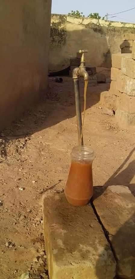 """Koungheul: L'eau """"potable"""" qui coule des robinets est marron"""