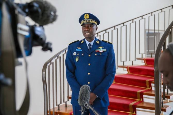 Palais: le nouveau CEMGA Birame Diop reçu par Macky Sall