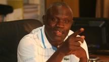 Gaston Mbengue décroche m'affiche Zoss / Boy Niang pour le 8 Juillet