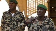 Mali : l'ex-junte dit avoir pris le dessus après des affrontements meurtriers à Bamako