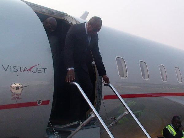 John Atta Mills à Dakar pour un mini-sommet sur la Guinée-Bissau