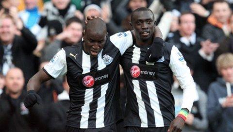 Papiss Demba Cissé réalise un doublé et donne espoir à Newcastle
