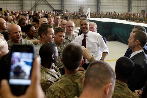 """Barack Obama fait campagne en """"président de guerre"""""""
