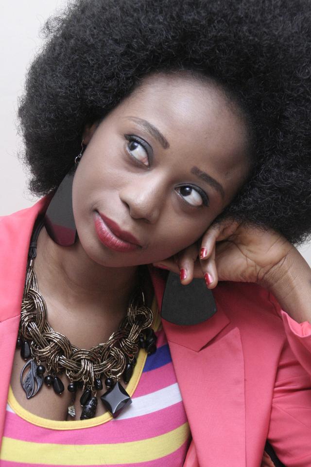 Adiouza toujours sublime dans sa mode afro !