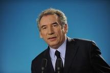 Législatives : le PS veut épargner Bayrou, pas l'UMP