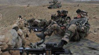 Le retrait des troupes françaises d'Afghanistan, un dossier délicat pour Hollande