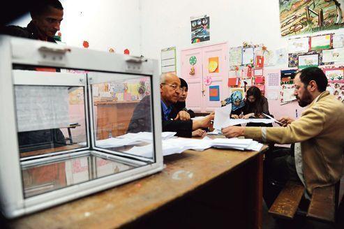 Le FLN rafle la mise aux législatives algériennes