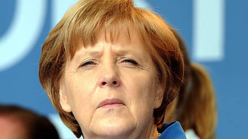 Merkel croit en un partenariat stable avec Hollande