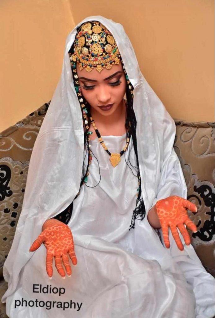 PHOTOS - L'attaquant Sénégalais Babacar Guèye épouse Racky Aidara de la série «Mœurs»