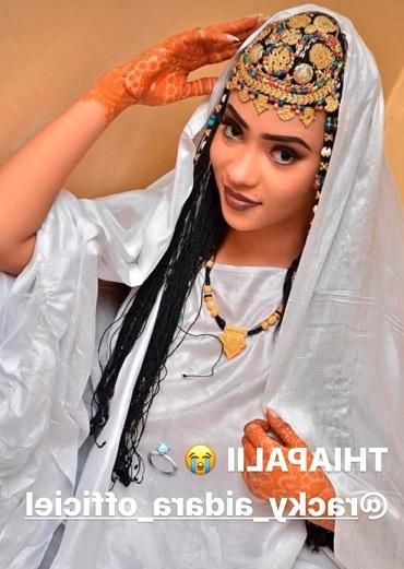 PHOTOS - L'attaquant sénégalais Babacar Guèye épouse Racky Aïdara de la série «Mœurs»