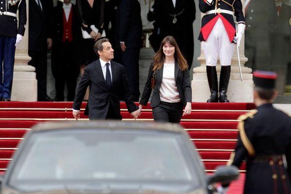 EN IMAGES : La passation de pouvoirs entre Hollande et Sarkozy
