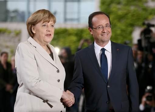 François Hollande accueilli à la chancellerie à Berlin