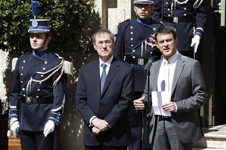 Ni angélisme, ni stigmatisation, promet Manuel Valls