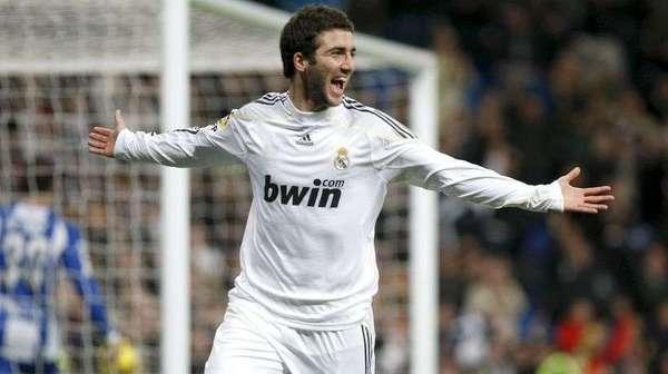 Real Madrid : Gonzalo Higuain réagit aux rumeurs de transfert