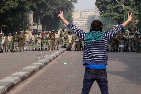Égypte : l'armée, acteur controversé de la transition
