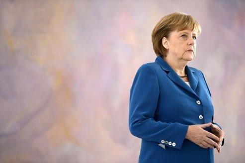 Merkel aborde le sommet de Bruxelles affaiblie et isolée