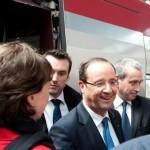 François Hollande voyage en train pour Bruxelles