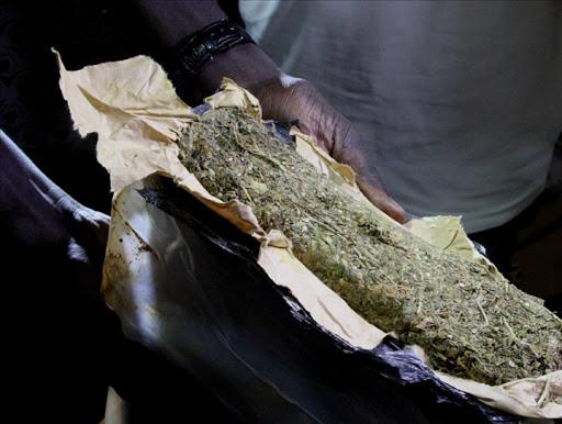 Offre et cession de drogue: le frère du lutteur Modou Lô risque 3 ans de prison ferme