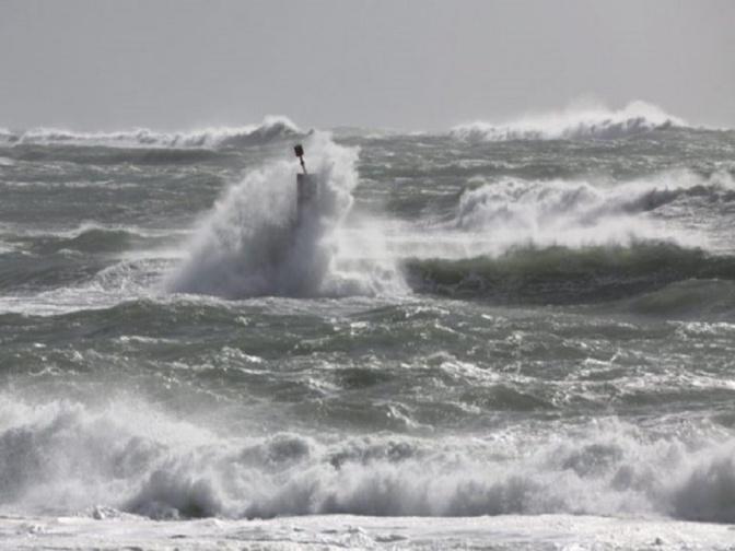 Alerte: Vents forts et houle dangereuse sur les côtes à partir de lundi