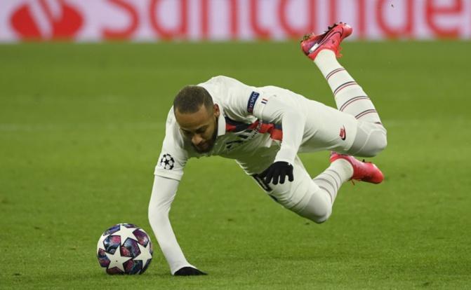 Gestion de sa blessure: Neymar s'en prend au PSG