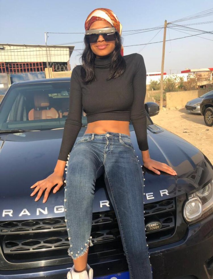PHOTOS - Après son scandale avec Racky Aïdara, Marie Louise Diaw s'offre une nouvelle voiture de luxe