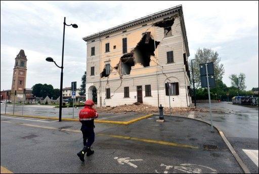 Un nouveau séisme fait au moins huit morts en Italie