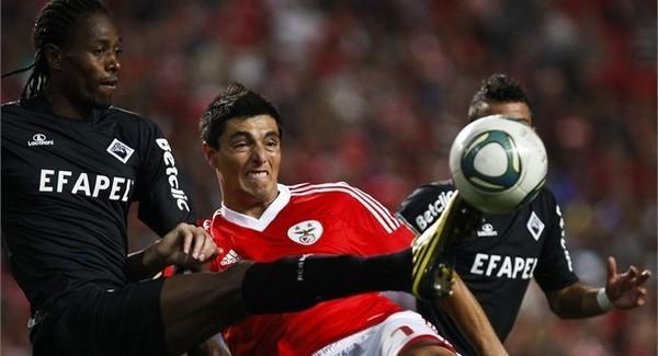 Lyon et Lille défient Benfica pour un défenseur international sénégalais