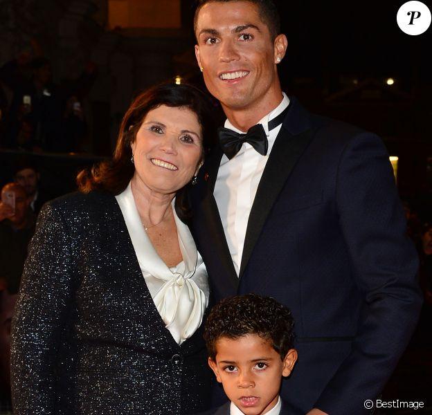 Madère : La mère de Cristiano Ronaldo hospitalisée en urgence après un Avc