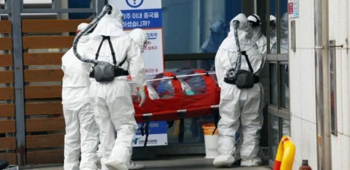 Coronavirus : 204 cas confirmés en France, une quatrième personne décédée