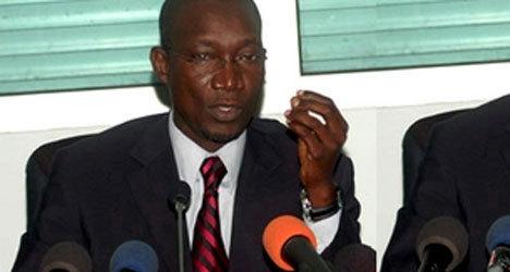 Les accompagnants de l'ex Président Wade interdits de pavillon d'honneur