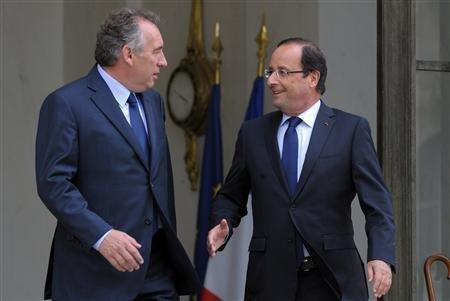 François Hollande consulte les partis avant des sommets mondiaux