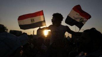Des milliers d'Égyptiens manifestent contre le verdict du procès d'Hosni Moubarak
