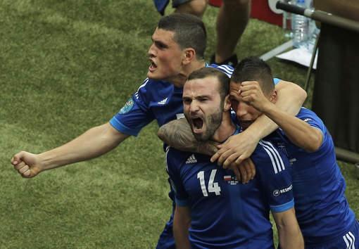 Euro 2012: Premier tour La Grèce gâche la fête polonaise