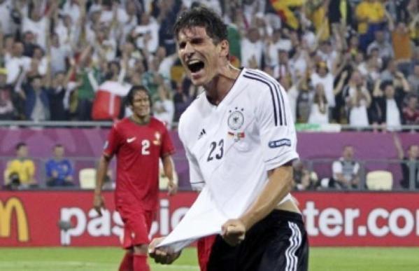 Gomez lance la Mannschaft