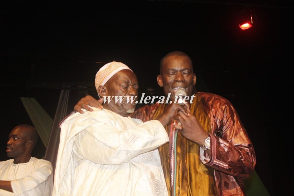 Assane Ndiaye sur scène avec son père!