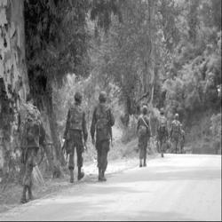 Attentats à la bombe de l'Armée de suicide déjoue et du démontage de la bombe, à environ 20