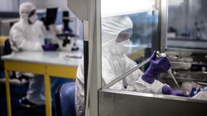 Coronavirus: où en sont les recherches sur les traitements et les vaccins?