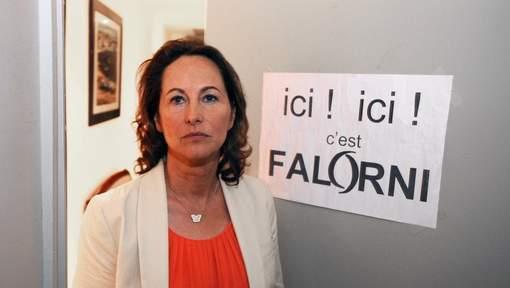 """Affiche de Falorni: Royal dénonce """"des méthodes de voyou"""""""