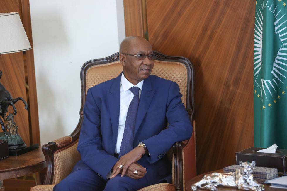 Entretien de Monsieur Cheikh Adjibou Soumaré avec le Président Macky SALL (images)