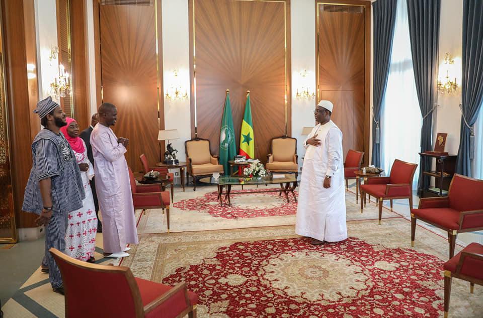 Le président Macky Sall continue ses audiences. Nous vous proposons les images de son entretien avec le mouvement Y'en A Marre